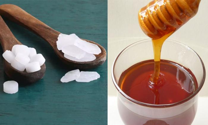 Camphor Helps To Reduce Oiliness On Face-జిడ్డు చర్మానికి చెక్ పెట్టే కర్పూరం..ఎలా వాడాలంటే-Latest News - Telugu-Telugu Tollywood Photo Image-TeluguStop.com