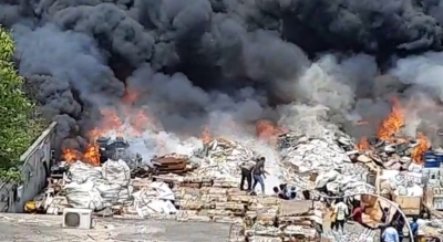 Fire At Scrapyard Leads To Panic In Andhra SEZ-Crime News English-Telugu Tollywood Photo Image-TeluguStop.com