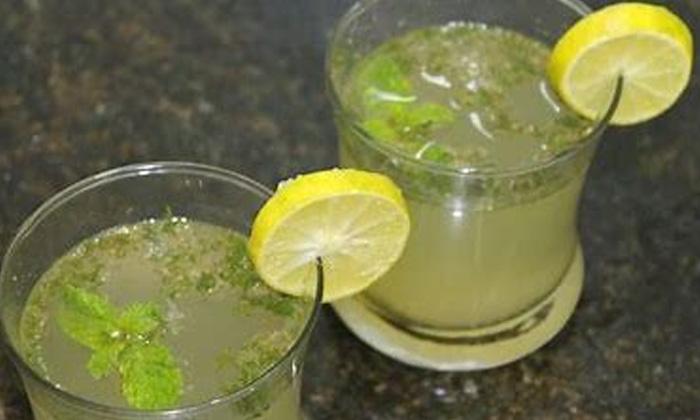 Health Benefits Of Lemon Water Summer Summer Tips Latest News-సమ్మర్లో లెమన్ను ఇలా తీసుకుంటే..మస్తు బెనిఫిట్స్-Latest News - Telugu-Telugu Tollywood Photo Image-TeluguStop.com