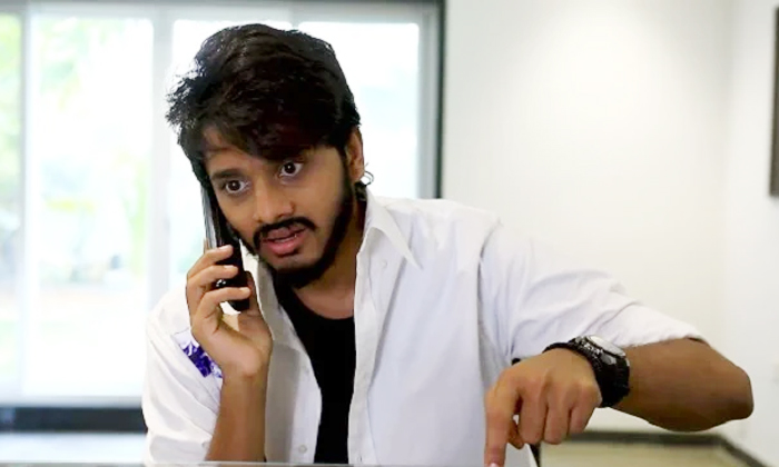 Hero Teja Sajja Struggles In Ishq Promotions Viral Video-ఇష్క్ ప్రమోషన్ కు హీరో ఎన్ని కష్టాలో.. వైరల్ వీడియో-Latest News - Telugu-Telugu Tollywood Photo Image-TeluguStop.com