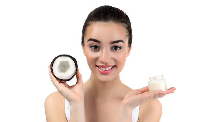 These Tips Must Be Followed While Using Lipstick-లిప్స్టిక్ వాడుతున్నారా..అయితే ఇవి పాటించాల్సిందే-Latest News - Telugu-Telugu Tollywood Photo Image-TeluguStop.com