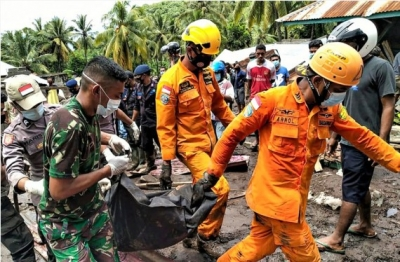 Indonesia Floods: Death Toll Climbs To 138-Crime News English-Telugu Tollywood Photo Image-TeluguStop.com