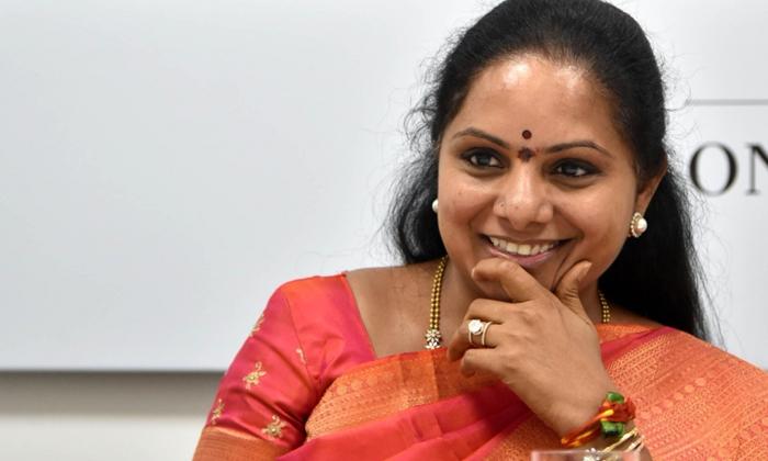 Kavitha Focusing On Ones Own District Active Politics-TeluguStop.com