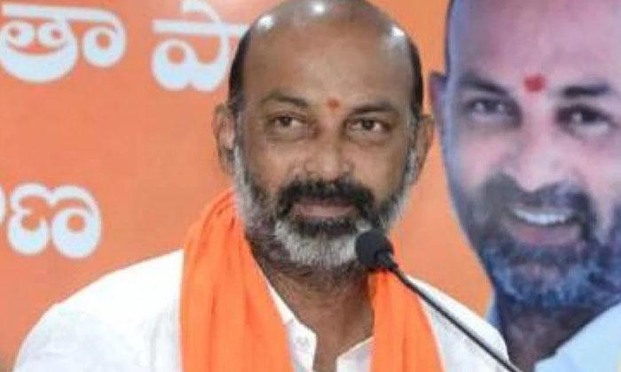 Are The Party Leaders Taking Bandi Sanjay Lightly-బండి సంజయ్ ని ఆ పార్టీ నేతలే లైట్ తీసుకుంటున్నారా-Latest News - Telugu-Telugu Tollywood Photo Image-TeluguStop.com