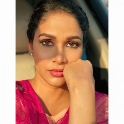 Lavanya Wants You To Try This While Everyone's Checking Their Phones-Cinema/ShowBiz News-Telugu Tollywood Photo Image-TeluguStop.com