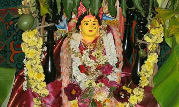 Interesting Facts About Mangala Gowri Vratham-వివాహమైన స్త్రీలు మంగళగౌరీ వ్రతం చేయడం వెనుక ఉన్న కథ ఏమిటో తెలుసా-Latest News - Telugu-Telugu Tollywood Photo Image-TeluguStop.com
