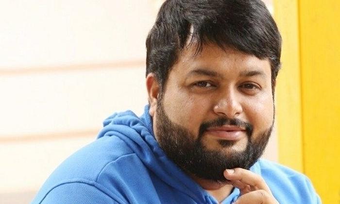 Music Director Thaman Strong Counter To Netizen-నెటిజన్ పరువు తీసిన థమన్.. బుర్ర పెరగలేదంటూ..-Latest News - Telugu-Telugu Tollywood Photo Image-TeluguStop.com