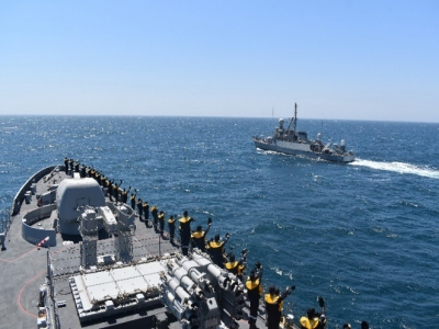 Navies Of India, Saudi Arabia Carries Out Drill In Persian Gulf-Latest News English-Telugu Tollywood Photo Image-TeluguStop.com