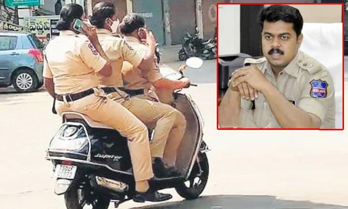 Officers Serious On Three Lady Constables Travelling On Bike In Khammam-ఆ పోలీసులు చేసిన పనికి అధికారులు సీరియస్..-General-Telugu-Telugu Tollywood Photo Image-TeluguStop.com