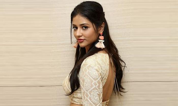 Priyanka Jawalkar Latest Stunning Pos-ఆ అమ్మాయ్ ఇన్ స్టా చూస్తే షాక్ అవ్వాల్సిందే.. ఎందుకంటే-Latest News - Telugu-Telugu Tollywood Photo Image-TeluguStop.com