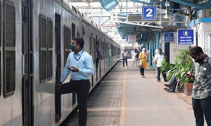 Railway Platform Ticket Price Hike-ప్రయాణికులకు షాకిచ్చిన రైల్వే అధికారులు.. -Breaking/Featured News Slide-Telugu Tollywood Photo Image-TeluguStop.com