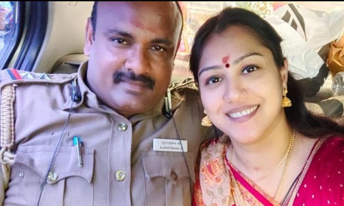 Tamil Actress Radha Complaint Against Her Second Husband-తన రెండో మొగుడు టార్చర్ చేస్తున్నాడంటూ పోలీసులను సంప్రదించిన హీరోయిన్…-Latest News - Telugu-Telugu Tollywood Photo Image-TeluguStop.com