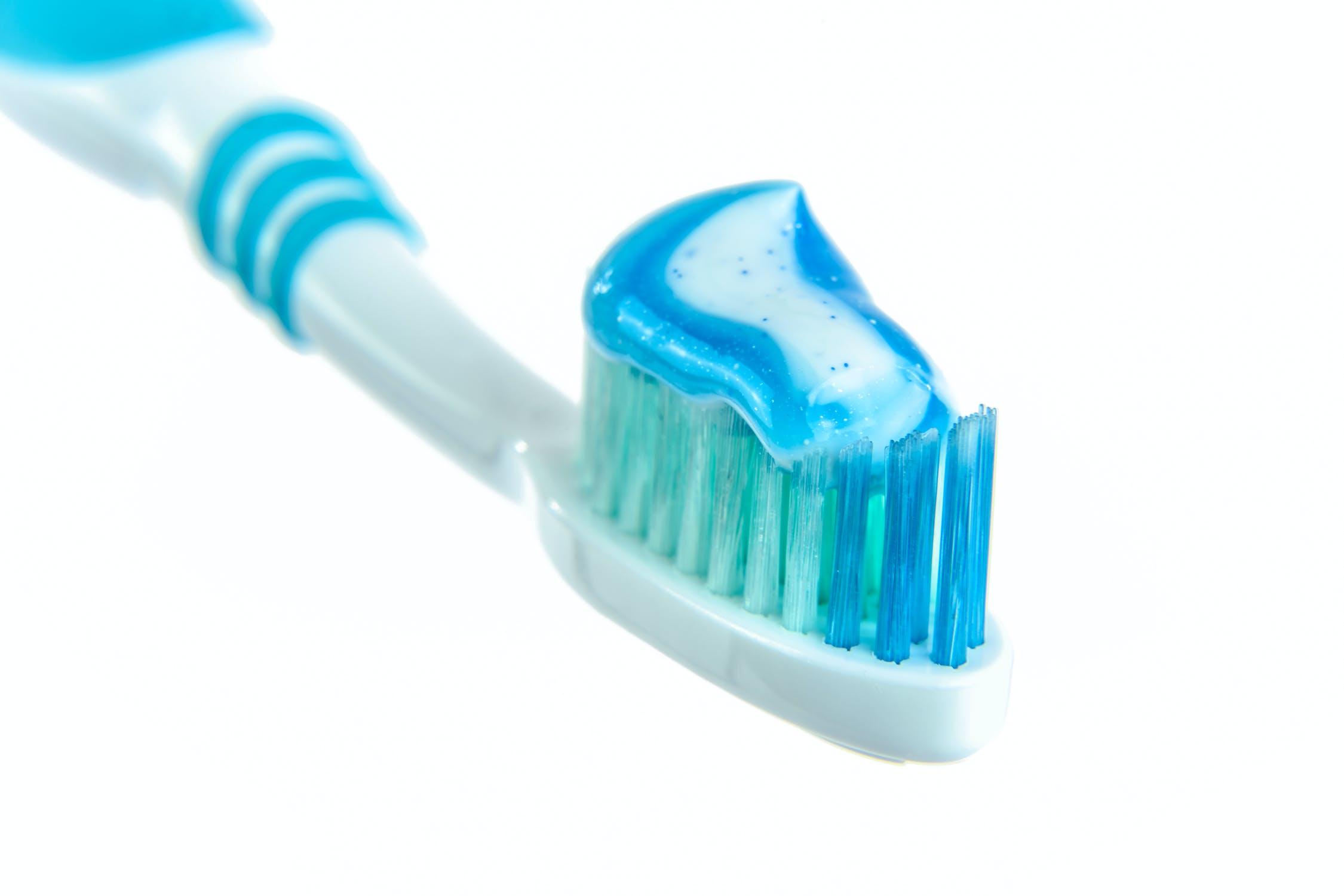 Side Effects Using Tooth Paste-ఈ విషయాలు తెలిస్తే టూత్ పేస్ట్ అసలు వాడరు..-General-Telugu-Telugu Tollywood Photo Image-TeluguStop.com