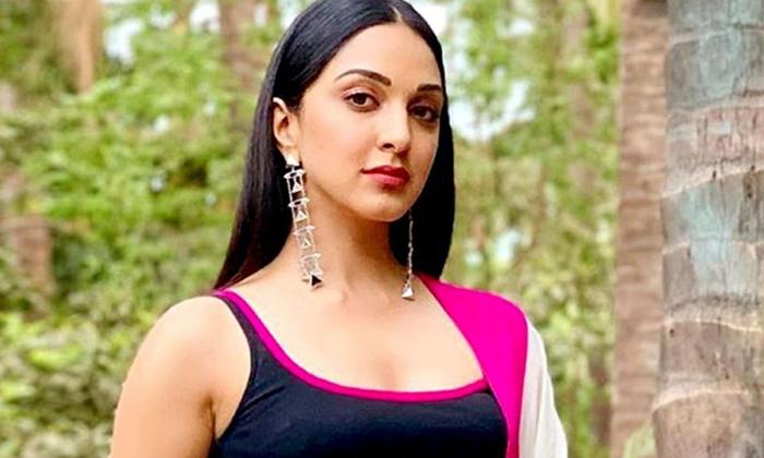 Kiara Adwani Demands High Remuneration For Movie-వామ్మో.. కియారా అద్వానీ రెమ్యునరేషన్ అన్ని కోట్లా..-Latest News - Telugu-Telugu Tollywood Photo Image-TeluguStop.com