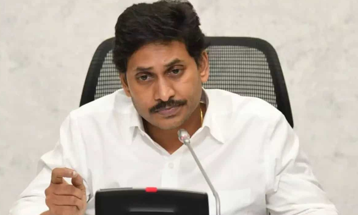 Ysrcp Seniour Leaders Angry On Jagan Behaviour-వైసీపీ సీనియర్ల బాధ తీర్చేవారేరి -Political-Telugu Tollywood Photo Image-TeluguStop.com