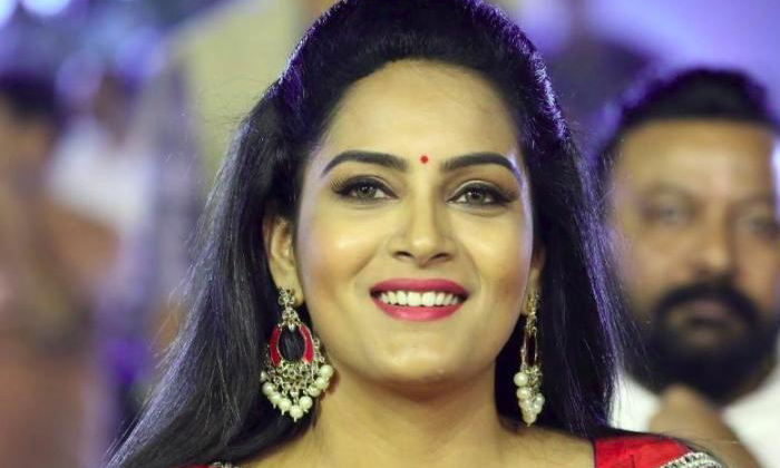 Telugu Heroines Marriage, Mamata Mohandas Husband, Niti Taylor Marriage, No One Can Believe About Marriage Of These Heroines, Tollywood Heroines Marriage, Young Actress-Telugu Stop Exclusive Top Stories