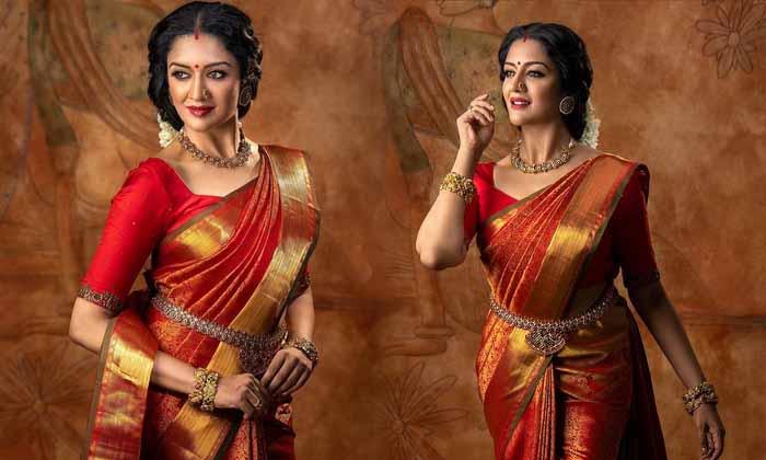 Actress Vimala Raman Glamorous Looks Images Are Winning The Internet-telugu Actress Hot Photos Actress Vimala Raman Glam High Resolution Photo