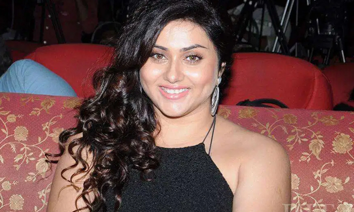 Interesting Facts About Actress Namitha-TeluguStop.com