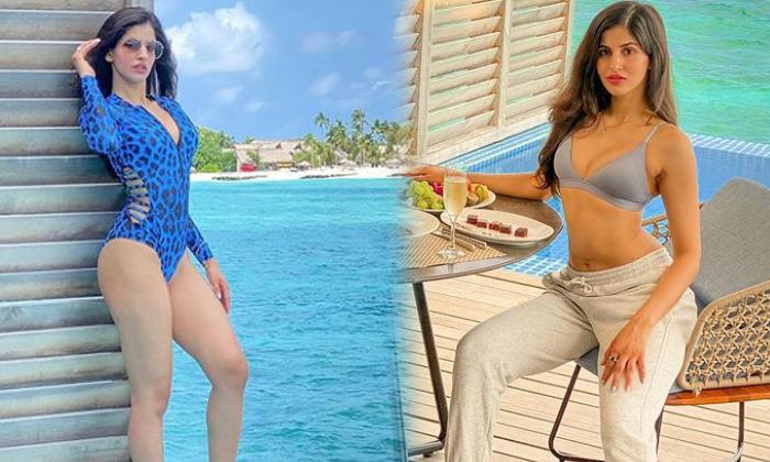 Bollywood Model And Actress Sakshi Malik Beach Vacation Images-telugu Actress Hot Spicy Photos Bollywood Model And Actre High Resolution Photo