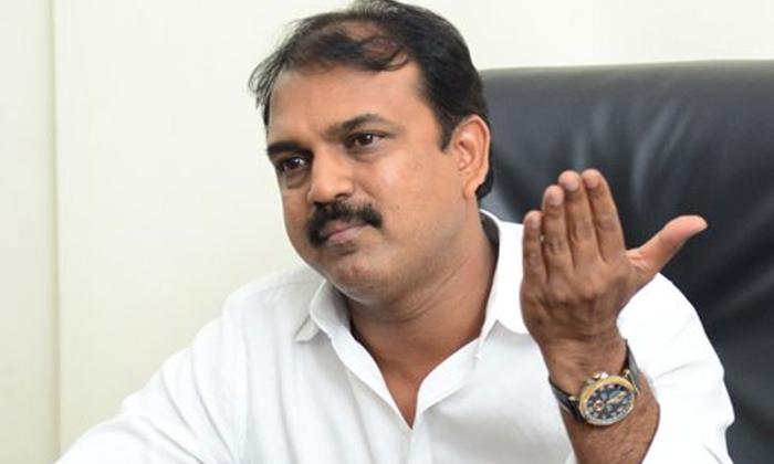 Changes In Script For Ntr Koratala Movie-ఎన్టీఆర్ కోసం భారీ ప్లాన్ చేస్తోన్న డైరెక్టర్-Breaking/Featured News Slide-Telugu Tollywood Photo Image-TeluguStop.com