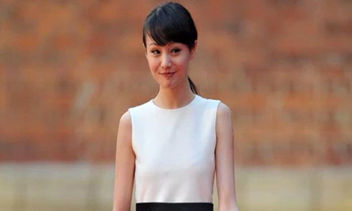 China Actor Zheng Shuang Remuneration-TeluguStop.com