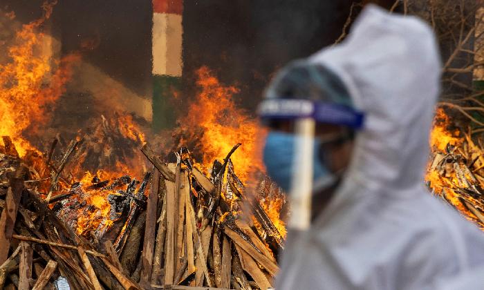 India Records Over 4 Lakh Corona Cases And 3,915 Deaths On Thursday-Latest News English-Telugu Tollywood Photo Image-TeluguStop.com