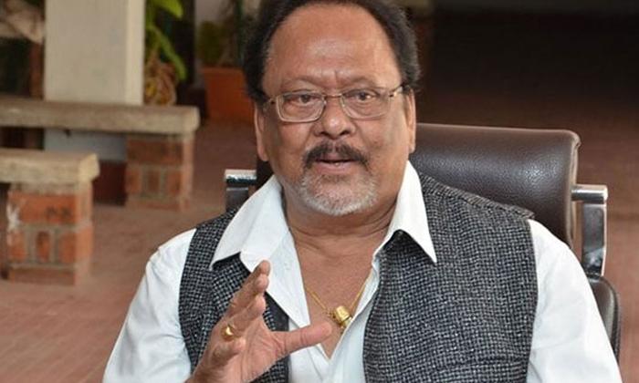 Unknown Facts About Rebal Star Krishnam Raju-కృష్ణంరాజు తల రాత మార్చేసిన 555 సిగరెట్ ప్యాకెట్..ఎలాగో తెలుసా.. -Latest News - Telugu-Telugu Tollywood Photo Image-TeluguStop.com