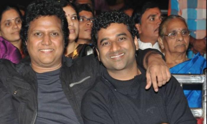 Fight Between Mani Sharma And Devi Sri Prasad For Trivikram Movie-TeluguStop.com