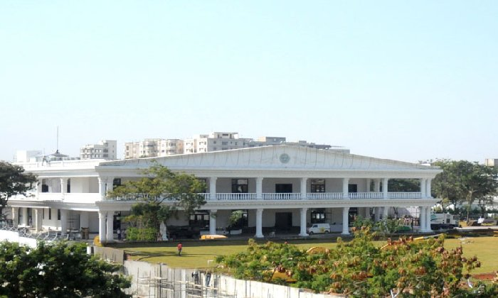 Cm Kcr Is Back To Pragathi Bhavan-TeluguStop.com
