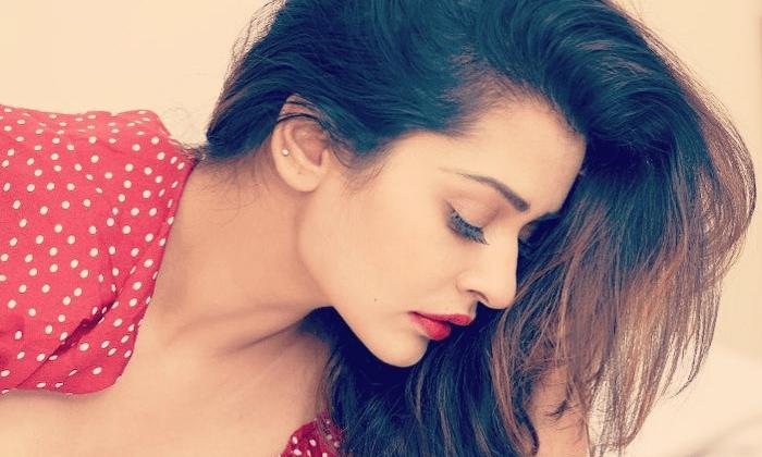 Payal Rajput Towel Photos Viral-TeluguStop.com
