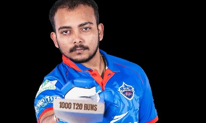 Police Shocked Team India Cricketer-టీమిండియా క్రికెటర్కు షాకిచ్చిన పోలీసులు.. -Breaking/Featured News Slide-Telugu Tollywood Photo Image-TeluguStop.com