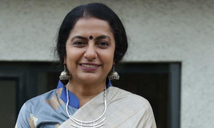 Reason Behind Heroine Suhasini Left Direction Career-TeluguStop.com