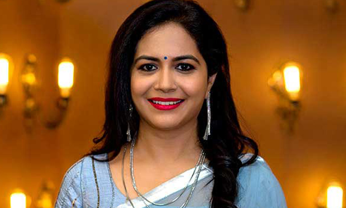 Singer Sunitha Whatsapp Number Netizen Reply-TeluguStop.com