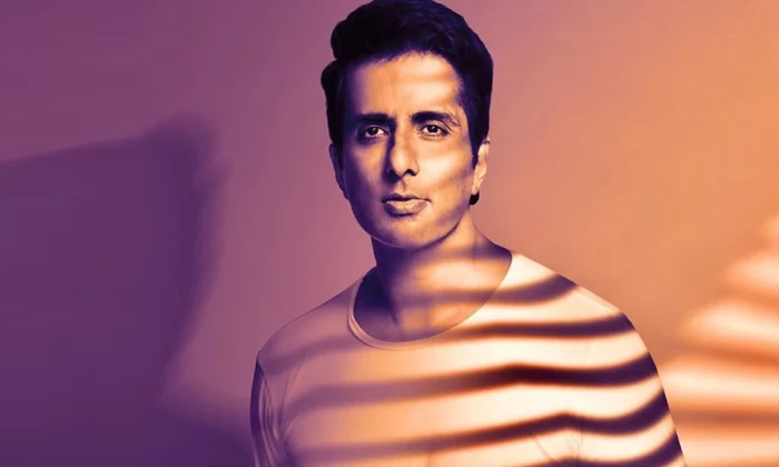 Sonu Sood Real Hero Image Problem To Directors-TeluguStop.com