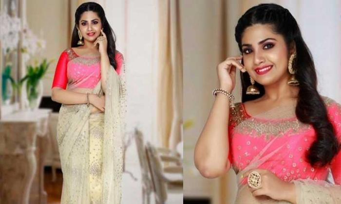 Tollywood Vani Viswanath Sister Daughter Varsha Entry In Movies-వాణి విశ్వనాథ్ నట వారసురాలు హీరోయిన్ గా టాలీవుడ్ ఎంట్రీ-Latest News - Telugu-Telugu Tollywood Photo Image-TeluguStop.com