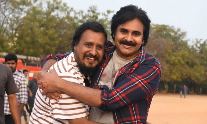 Venu Sri Ram Write A Story For Vakeel Saab Sequel-TeluguStop.com