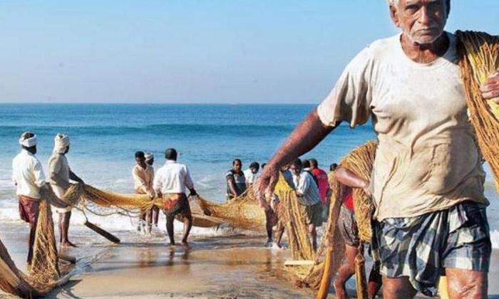 Jagan Keeps His Promise To Fishermen-TeluguStop.com