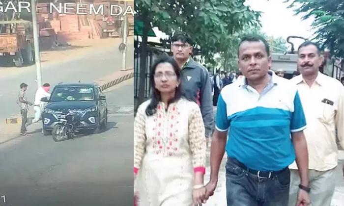 Bikers Shoot And Killed Doctor Couple In Car In Rajasthan-కారులో వెళ్తున్న డాక్టర్ దంపతులపై దారుణం..రెప్పపాటులో ఘోరం-General-Telugu-Telugu Tollywood Photo Image-TeluguStop.com