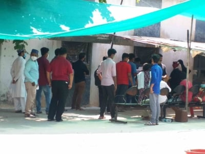 Covid Human Dimension Series: T'gana Man Dies At Covid Testing Centre-General-English-Telugu Tollywood Photo Image-TeluguStop.com