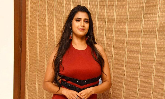 Untold Struggles Of Heroine Kasthuri-TeluguStop.com