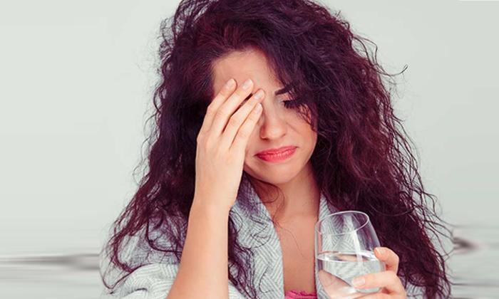 Side Effects Of Drinking Hot Water-ఆరోగ్యానికి మేలని వేడి నీళ్లు తాగుతున్నారా..అయితే జాగ్రత్త-Latest News - Telugu-Telugu Tollywood Photo Image-TeluguStop.com