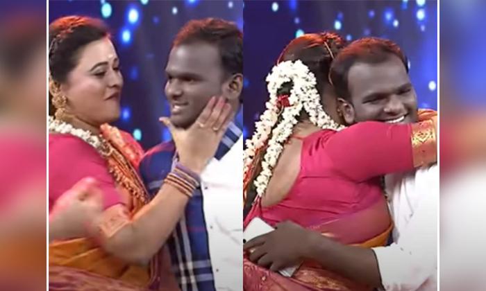 Hyper Aadi And Rohini Shocks On Emmanuel Singing Talent-TeluguStop.com