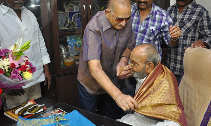 Unknown Facts About Krishna And K Vishwanath-TeluguStop.com