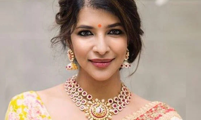 Netizens Trolling Manchu Lakshmi About Her Tweet-మళ్లీ మంచు లక్ష్మీని ట్రోల్ చేస్తున్న నెటిజన్లు.. కారణమిదే..-Latest News - Telugu-Telugu Tollywood Photo Image-TeluguStop.com