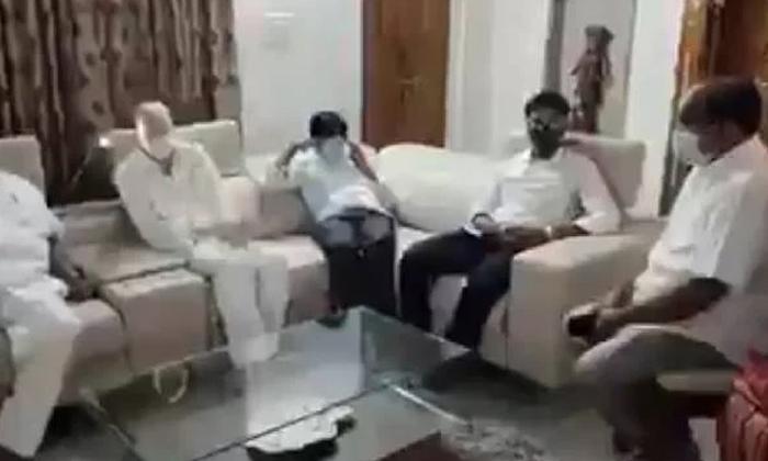 Ysrcp Leaders Sensation Coments On Jagan-TeluguStop.com