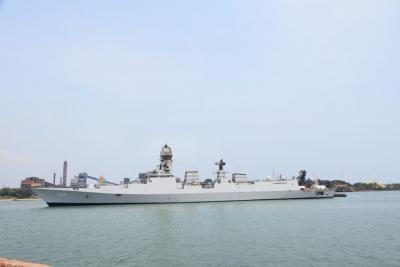 Naval Ship Brings Oxygen To Mangaluru Port From Kuwait-General-English-Telugu Tollywood Photo Image-TeluguStop.com