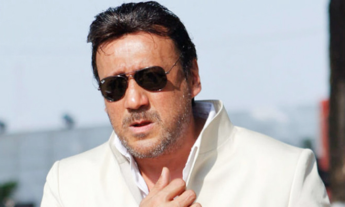 Salman Khan Used To Handle My Clothes And Boots Says Jackie Shroff-TeluguStop.com