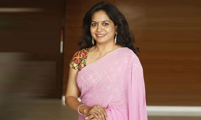 Singer Sunitha Comments About Childhood Incident-ఆ తీపిగుర్తులు ఇంకా గుర్తున్నాయి.. సునీత ఏం చెప్పారంటే..-Latest News - Telugu-Telugu Tollywood Photo Image-TeluguStop.com
