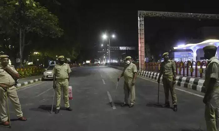 Telangana Cm Kcr To Take Decision On Lockdown In Todays Cabinet-TeluguStop.com