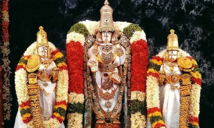 Why Devotees Should Not Put Flowers In Thirumala-TeluguStop.com